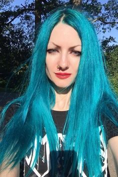 Beauty in Blue 😍💙 @candybonesofficial in Aquamarine 🐬 #AFaquamarine Arctic Fox Aquamarine, Aquamarine Blue, Dyed Hair Blue, Hair Color Blue, Arctic Fox Hair Color, Bright Hair, Dark Shades, Aqua Marine, Free Hair