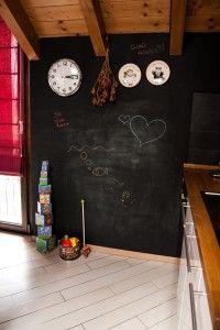 Riqualificazine appartamento _ interior design Francesca Macchi _ cucina dettaglio parete-lavagna