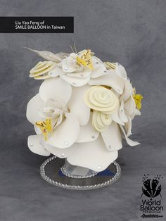 These delicate #balloon fantasy flowers were created with #Qualatex at WBC 2014.