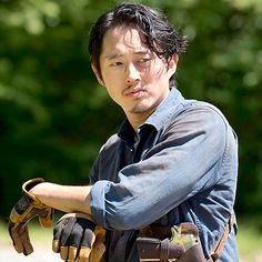Even though he's dead, he's still my overall favorite character and Maggie is my favorite character still I'm the show. The Walking Dead season Glenn Glenn The Walking Dead, The Walk Dead, Walking Dead Season 6, Walking Dead Series, Glenn Y Maggie, Rip Glenn, Steven Yeun, Lauren Cohan, Glenn Rhee