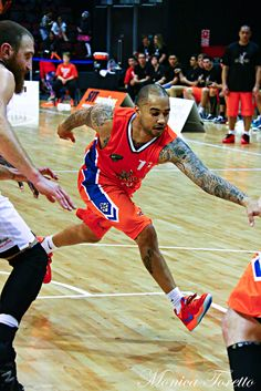 Southland Sharks' Kevin Braswell in the game against Manawatu Jets at Stadium Southland. Shark S, Jets, Basketball Court, Game, Sports, Hs Sports, Sport, Gaming, Games