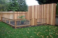layout-outdoor-gates-and-fences-layout-garden-fence-designs-photos-front-yard-la. - layout-outdoor-gates-and-fences-layout-garden-fence-designs-photos-front-yard-landscaping-ideas. Plastic Garden Fencing, Small Garden Fence, Garden Fence Panels, Low Fence, Front Yard Fence, Cedar Fence, Backyard Garden Design, Fence Gate, Fenced In Yard