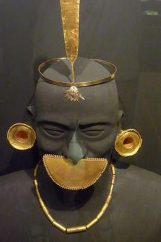 Más del Museo Brunning, en Lambayeque, piezas de oro.