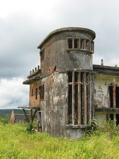 Photographs from Bokor, a former French hillstation near Kampot in Cambodia. Old Abandoned Buildings, Abandoned Property, Abandoned Mansions, Old Buildings, Abandoned Places, Places Around The World, Around The Worlds, Desert Places, Beautiful Ruins