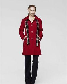 dbd8dd86f28  WomensyellowRaincoatUk  RaincoatWithHood Pink Raincoat