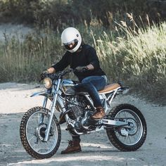 "@nostalgia_memoir op Instagram: ""@dustinhaggett and his Honda XR650 built by…"