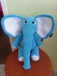 Sloník vysoký takmer 60 cm. Mäkučký spoločník do detskej postieľky