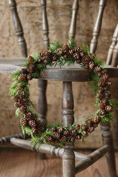Kransar - fireghost - Lilly is Love Natural Christmas, Noel Christmas, Country Christmas, Winter Christmas, Christmas Crafts, Christmas Decorations, Deco Floral, Diy Wreath, Holiday Wreaths