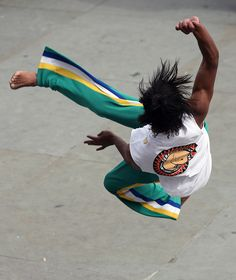 Capoeira by CharlieChalk, via Flickr