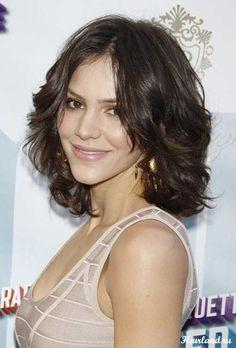 Short Medium Length Wavy Haircut Picture