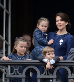 Primer gran homenaje popular: la reina Margarita sale con toda su familia al balcón de Amalienborg - Foto 14