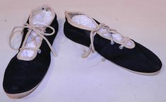 Vintage Womens Black & White Cotton Canvas Ballet Flats Lace-up Bathing Slippers Shoes The shoes measure 9 inches long and 3 inches wide. 1920s Bathing Suits, Shoe Sale, White Cotton, Ballet Flats, Cotton Canvas, Vintage Ladies, Slippers, Dance Shoes, Lace Up