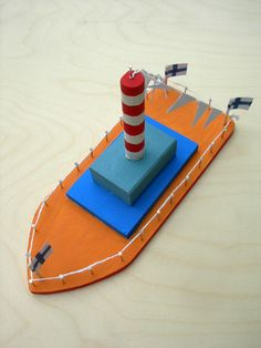 Craft set ship Craft set to make a wooden boat yourself. The boat consists of various wooden parts, nails, wool. Woodworking Projects For Kids, Woodworking Shop, Woodworking Crafts, Outdoor Chandelier, Diy Chandelier, Monster Bookmark, Creative Money Gifts, Light Chain, Ship Craft