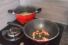 Špagety s paradajkovou omáčkou sú známou klasikou Wok, Kitchen, Cooking, Kitchens, Cuisine, Cucina