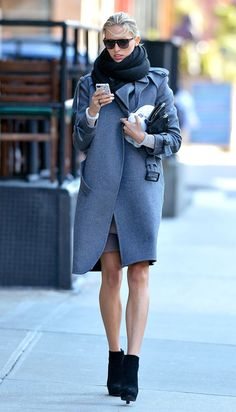 karolina kurkova.  so perfect.  (why does she not look cold though?)