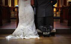 22 Funny Bride and Groom Wedding Photos Wedding Groom, Wedding Tips, Wedding Day, Dream Wedding, Underwater Wedding, Funny Wedding Photos, Wedding Pictures, Wedding Humor, Groomsman Gifts
