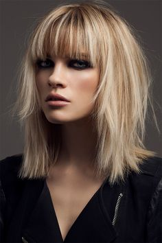 Hairstyles For Thin Hair Hair Haircuts length Love medium mediumlengthhair Shag Love Hair, Great Hair, Hairstyles With Bangs, Pretty Hairstyles, Hairstyles 2016, Hairstyle Ideas, Pelo Midi, Medium Hair Styles, Short Hair Styles
