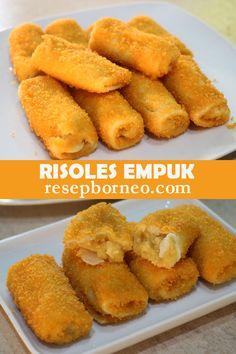 Kue ini sangat populer di Indonesia, di acara- acara arisan, pemerintah, sampai syukuran sering disajikan Risoles yang menajakan tenggorokan. Walau begitu, biasanya kita bosan dengan rasa risoles yang itu- itu saja. Nah, kali ini saya akan membuat Risoles yang isinya lembut didalam dan kulitnya juga lezat. Savory Snacks, Snack Recipes, Cooking Recipes, Macaroni Schotel Recipe, Roti Canai Recipe, Fry S, Japanese Cheesecake, Kids Menu, Indonesian Food