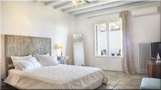 görög vidéki hálószoba - Luxuslakások Sweet Home, Bed, Furniture, Home Decor, Farm Cottage, Cottage Chic, Decoration Home, House Beautiful, Stream Bed