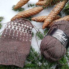 Sock Knitting, Bunt, Decor, Knitting Socks, Patterns, Knit Socks, Decoration, Decorating, Deco