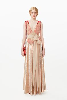 http://www.style.com/slideshows/fashion-shows/pre-fall-2015/givenchy/collection/36