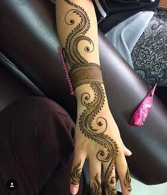 mehndi design Minus the arm band. Mehndi Designs Feet, Indian Mehndi Designs, Latest Bridal Mehndi Designs, Mehndi Designs 2018, Modern Mehndi Designs, Mehndi Design Pictures, Mehndi Designs For Beginners, Mehndi Designs For Girls, Wedding Mehndi Designs