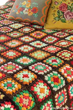 Vintage Home Shop - Colourful and Cosy Autumn Patchwork Crochet Throw: www.vintage-home. Love Crochet, Crochet Granny, Autumn Crochet, Crochet Throws, Vintage Crochet, Bedding Inspiration, Deco Originale, Granny Chic, Manta Crochet