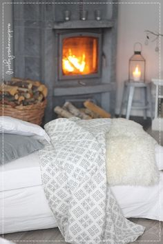 olohuoneen sisustus, maalaisromanttinen koti, pääsiäinen, vaalea koti, Ib laurssen lyhty, livingroom, interior, nordic home