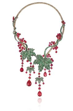 not exactly holly but close enough - Chopard necklace from the Red Carpet Collection 2013 High Jewelry, Jewelry Art, Gemstone Jewelry, Silver Jewelry, Vintage Jewelry, Jewelry Necklaces, Jewelry Design, Unique Jewelry, Cheap Jewelry