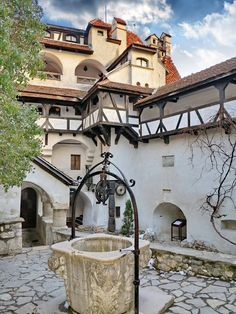 Inner courtyard at Dracula's Castle in Bran, Romania (by Laurentiu Mitu)