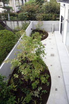 2階から庭の眺め : Jardines de estilo moderno de FURUKAWA DESIGN OFFICE
