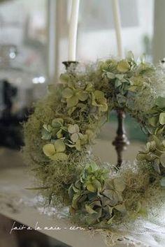 dreamy hydrangea and moss wreath: use silk hydrangea for along-lasting version
