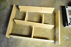 Você pode fazer uma casinha de boneca e madeira para as suas meninas ou para presentear uma menina. Dicas para Fazer uma Casinha de ...
