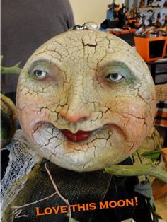 I want to Say 'Thank you 'to all the 'Devoted Customers' who endured the Fall weather.and was glad to met old and new and have a face to t. Halloween Doll, Vintage Halloween, Halloween Crafts, Halloween Decorations, Creepy Vintage, Vintage Moon, Paper Moon, Sun And Stars, Paperclay