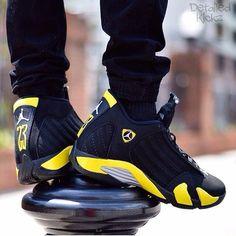 --- Jordans Shoes ---