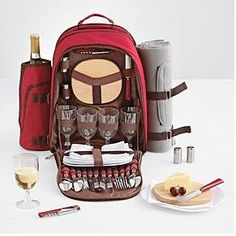 22 awesome picnic baskets and other cool accessories for al fresco dining in the sun Picnic Set, Family Picnic, Picnic Time, Summer Picnic, Picnic Ideas, Family Camping, Spring Summer, Mochila Picnic, Picnic Backpack