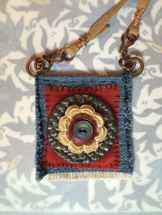/ patchwork brooch / button and denim / Fiber Art Jewelry, Textile Jewelry, Fabric Jewelry, Jewelry Art, Beaded Jewelry, Handmade Jewelry, Jewelry Design, Jewellery, Fabric Necklace