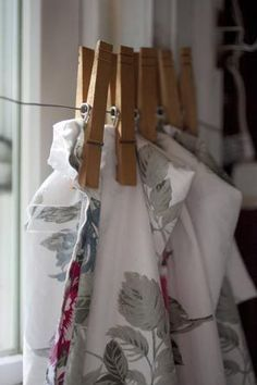 that's a cute idea for homemade curtains, maybe only take the weight of nets though : )