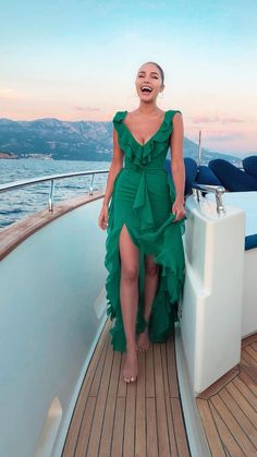 Prom Dresses Simple, Fashion A Line V Neck Ruffle Chiffon Green Long Prom Dress, Sexy Sleeveless Evening Party Dress Elegant Dresses, Sexy Dresses, Dress Outfits, Casual Dresses, Summer Dresses, Formal Dresses, Casual Outfits, Backless Dresses, Midi Dresses