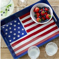 American Flag Serving Tray - Perfect for July 4th! http://thestir.cafemom.com/home_garden/186069/11_cool_backyard_decor_finds