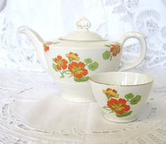 Vintage Art Deco 2-3 Cup Teapot and Matching by TheWhistlingMan