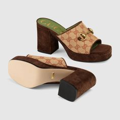 Shop the GG mid-heel platform slide sandal in beige at GUCCI.COM. Enjoy Free Shipping and Complimentary Gift Wrapping. Fancy Shoes, Cute Shoes, Me Too Shoes, Awesome Shoes, Gucci Brand, Gucci Store, Gucci Gifts, Aesthetic Shoes, Toddler Girls