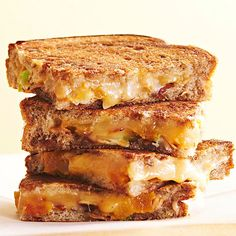 Smoked Gouda and Apricot Melt - Fans of sweet-salty combos, meet your new favorite grilled cheese sandwich. A double dose of apricot goodness (preserves and chopped dried fruit) ensures every bite of this gooey sandwich packs sweet and cheesy flavor. Grilled Sandwich Recipe, Grill Cheese Sandwich Recipes, Grilled Chicken Sandwiches, Easy Sandwich Recipes, Cheese Recipes, Smoked Gouda, Best Cheese, Toasted Almonds, Light Recipes