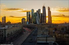 "Закат, вид на деловой центр ""Москва-Сити"", Москва, Россия Sunset, view to a business centre ""Moscow-City"", Moscow, Russia www.ruspeach.com/news/6944/"