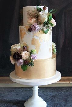 30 Eye-Catching Unique Wedding Cakes