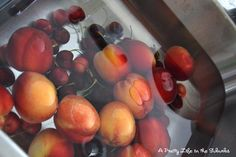 A Pretty Life in the Suburbs: Kitchen Kapers: DIY Fruit & Veggie Wash