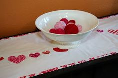 hearts on a string table runner tutorial