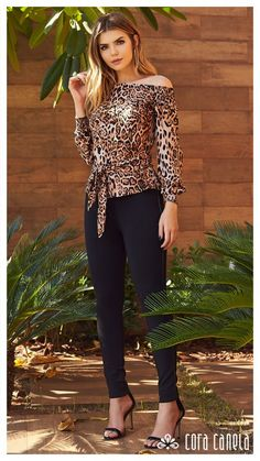 Leopard top with black pants 👗👍 Classy Outfits For Women, Casual Tops For Women, Sexy Outfits, Cool Outfits, Casual Outfits, Fashion Outfits, Clothes For Women, Animal Print Fashion, African Print Fashion