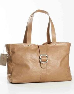 My favorite thandana bag at the moment Leather Handbags, Leather Bag, Handbag Accessories, Fashion Accessories, Online Bags, Online Gift, Laptop Bag, Travel Bags, Gifts For Women