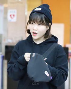 [20190117 볼륨을 높여요] 퇴근길 - 똘망똘망 😯🐰🐶🖤 - #악동뮤지션수현의볼륨을높여요 #볼륨을높여요 #악동뮤지션 #이수현 #악뮤수현 #션디 #kbscoolfm #매일저녁8시 #8910 K Pop, Lee Soo Hyun, Akdong Musician, Winner Ikon, Attractive People, Yg Entertainment, Ulzzang Girl, Short Hair Styles, Singer